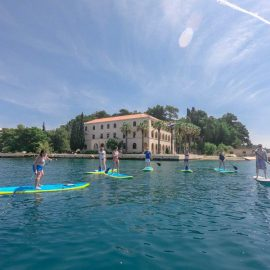 stand up paddle in split around marjan